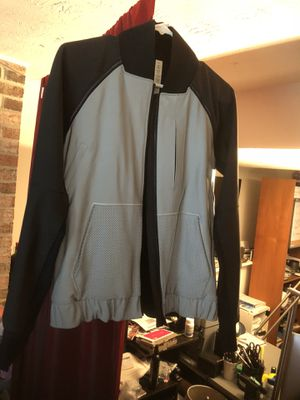 Lululemon athletica size 6 for Sale in Montgomery Village, MD