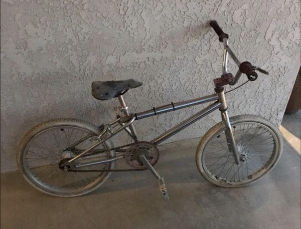 87e9b34ef27 OLD SCHOOL GT BMX BIKE for Sale in Hemet