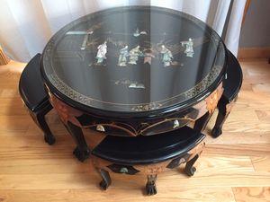 Photo Vintage Asian Tea Table