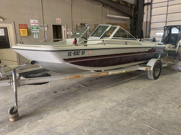 Price drop!!! nice tri hull ski boat. lake ready! new seats! clear titles! 3150.00 obo
