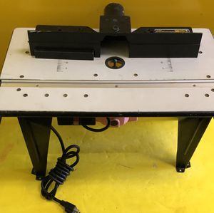 Chicago Electric Power Tools 95380 - Benchtop Router Table W 1-3/4 HP Router - GOOD CONDITION for Sale in Winter Springs, FL