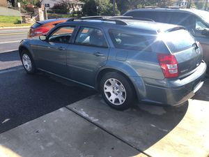 2004 dodge magnum clean title for Sale in Oxon Hill, MD