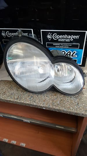Mercedes Benz C230 2002 - 2005 Headlight Assembly for Sale in Boyds, MD