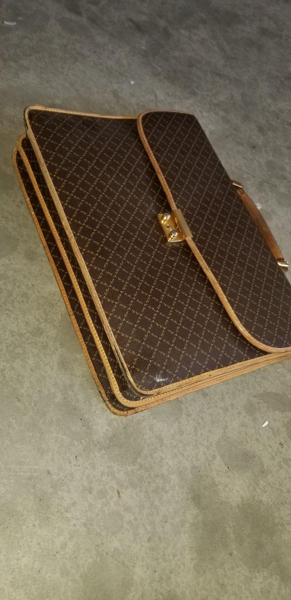 LA Tour Paris Eiffel briefcase very cheap $5