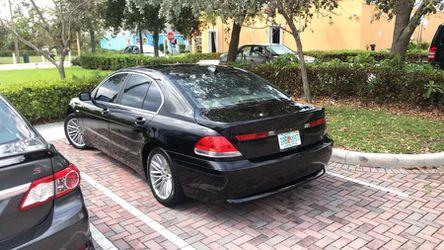 2004 BMW Thumbnail