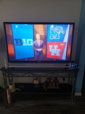 Photo 42-45 inches sony tv. In really great shape
