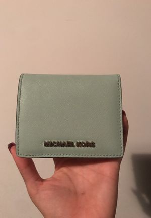 Michael Kors mint wallet used once for Sale in Richmond, VA