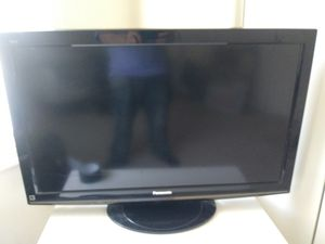 "46""Hdtv with stand. Panasonic for Sale in Centreville, VA"