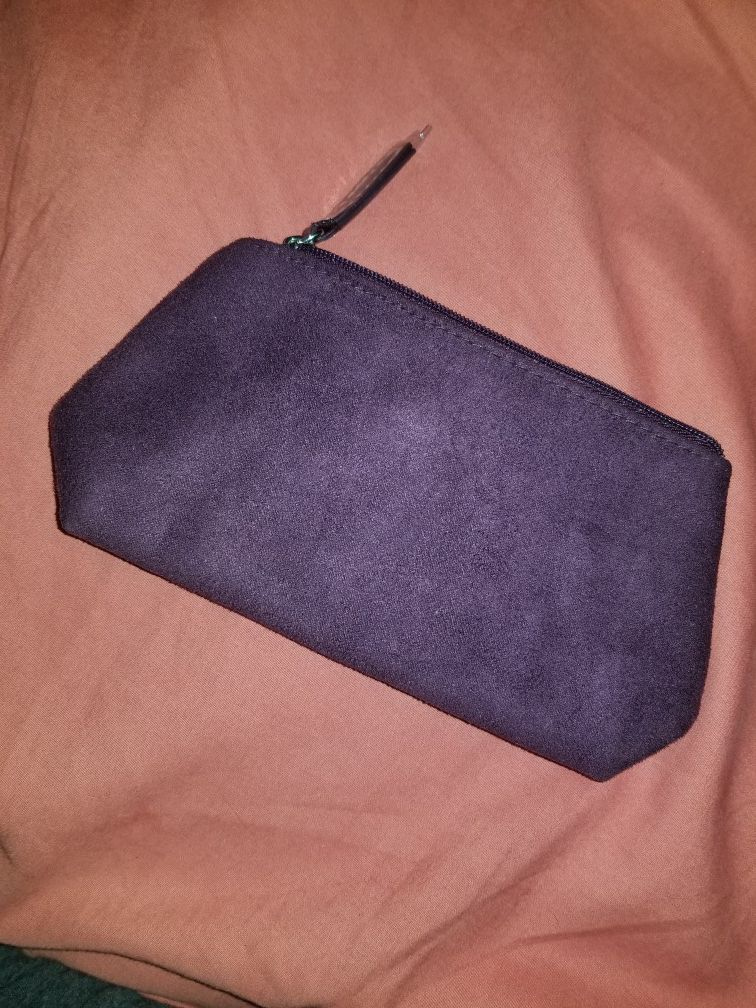 Lil wallet... purple... brand new $7 or better offer