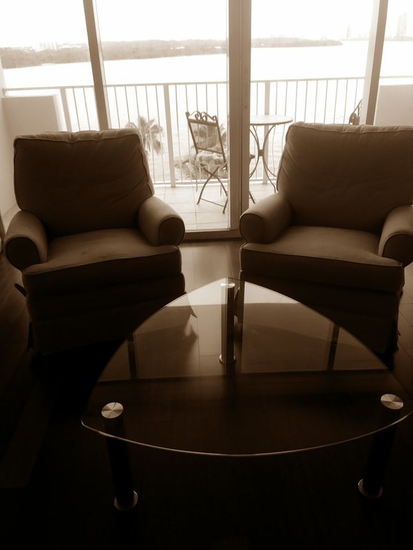 Two Recliners And A Gl Coffee Table Furniture In Miami Beach Fl Offerup