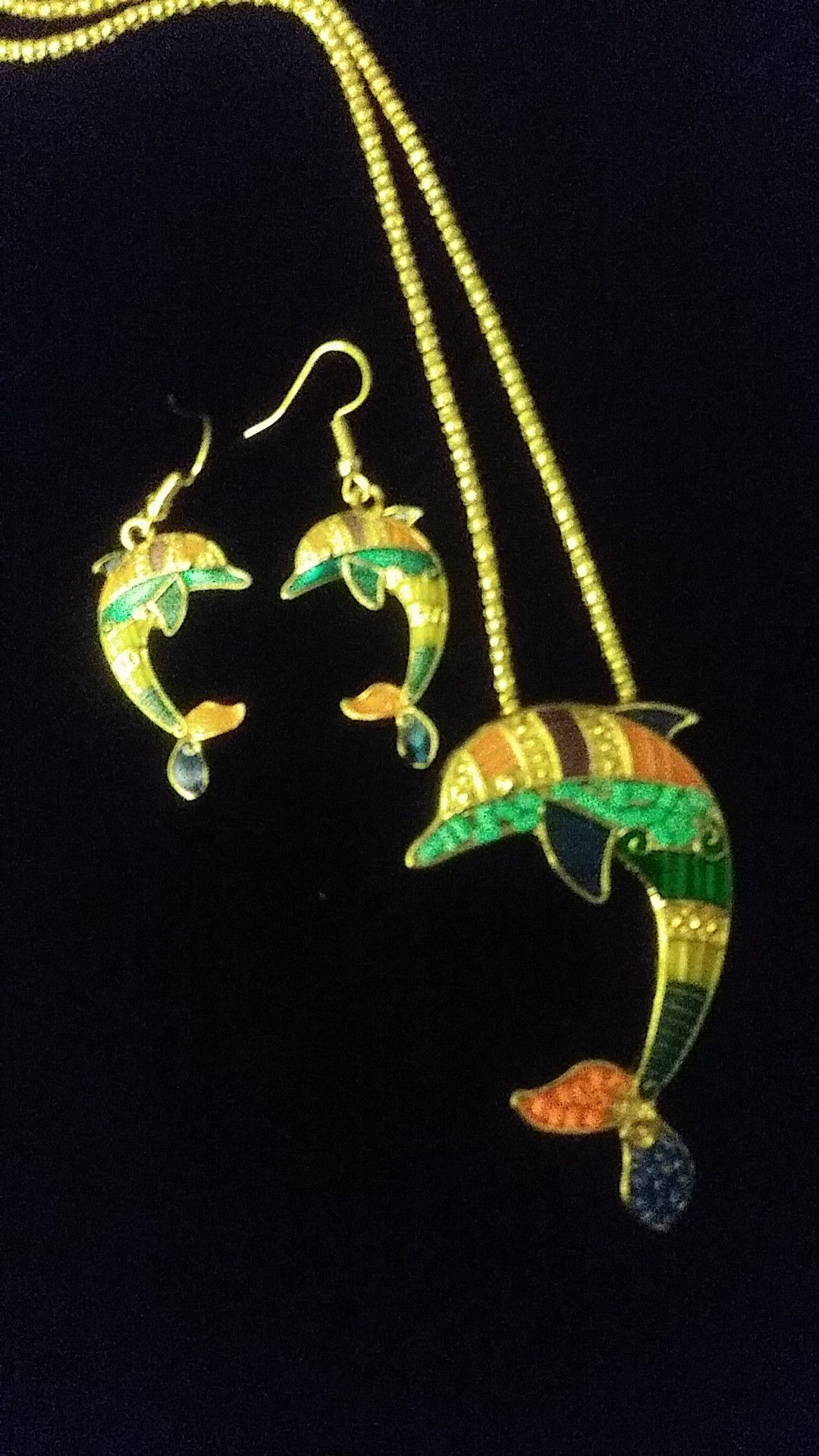 Necklace earings set dolphins, 24$