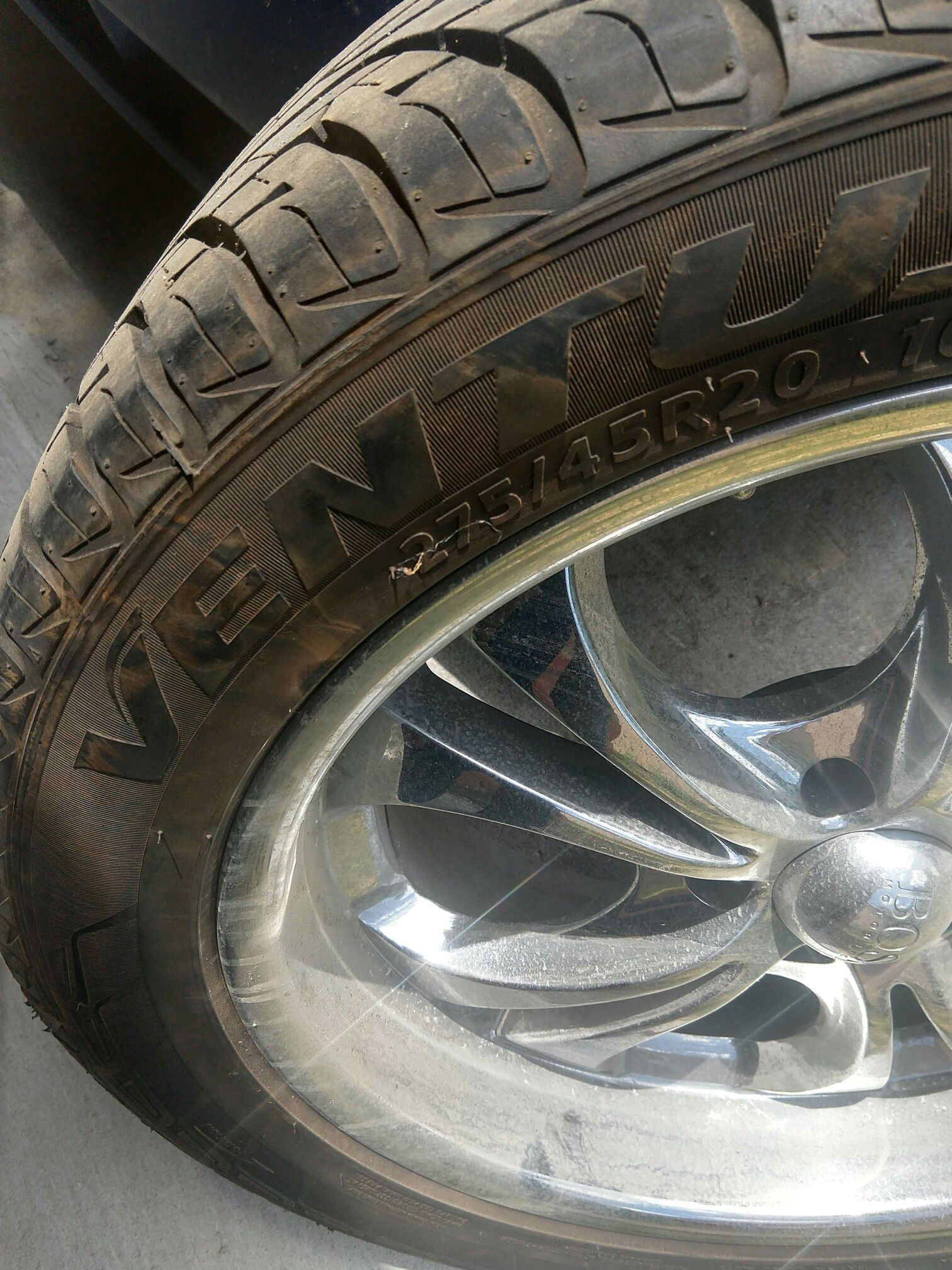 Boss 304 20 inch rims w/tires
