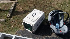 Dog crate for Sale in Vinton, VA