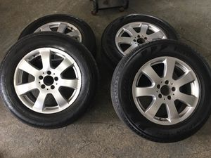"Photo Mercedes Benz ML Wheel Rim 17"" With New Tire"