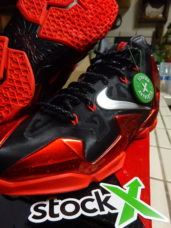 ddecd03918b6 Lebron 11 away size 10.5 ds for Sale in Stockton