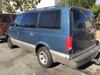2001 Chevrolet Astro Cargo Thumbnail