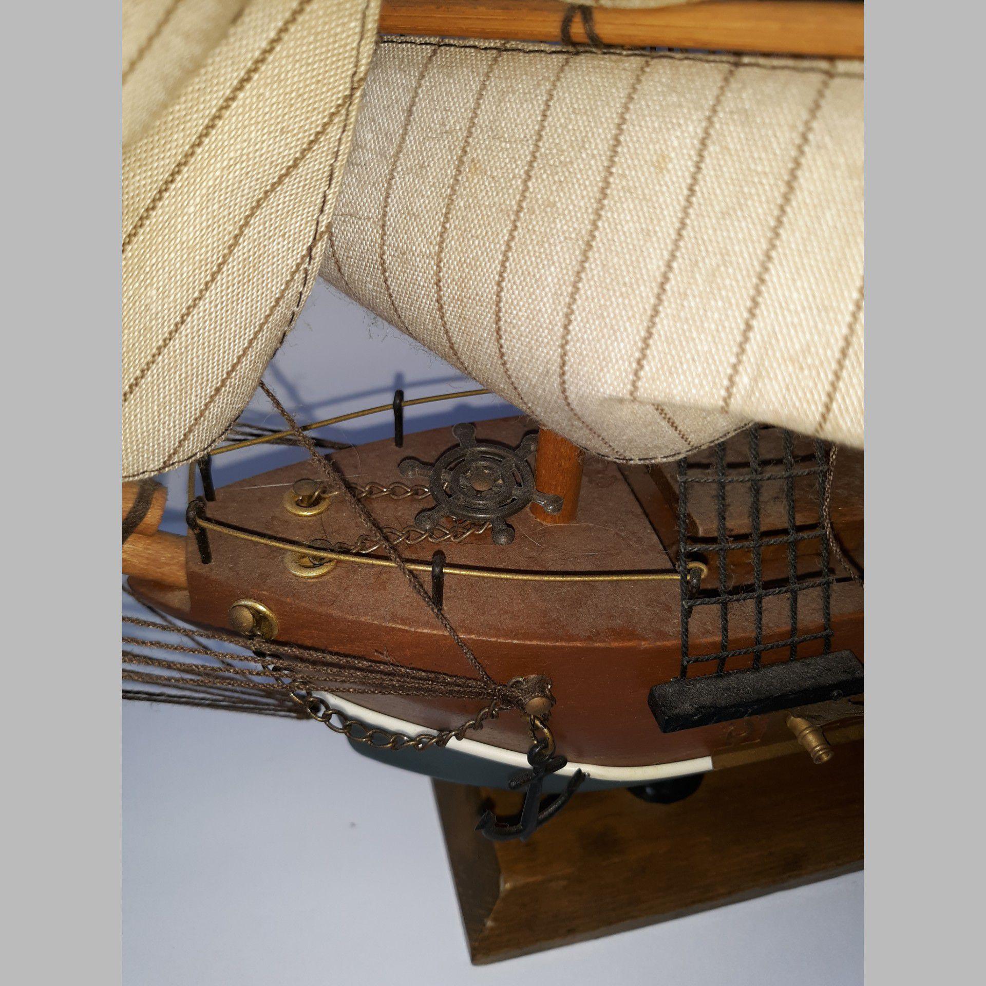 Tall Ship Model USS Valiant Wood Canvas Sails