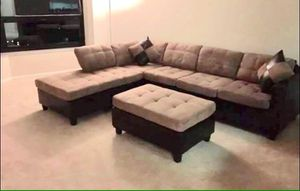 Light brown sectional sofa with reversible chaise!!Brand new free delivery for Sale in Chicago, IL