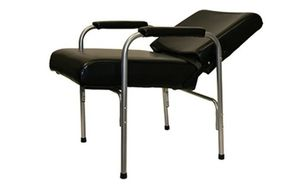 Reclining shampoo chair(new in box) for Sale in Crewe, VA