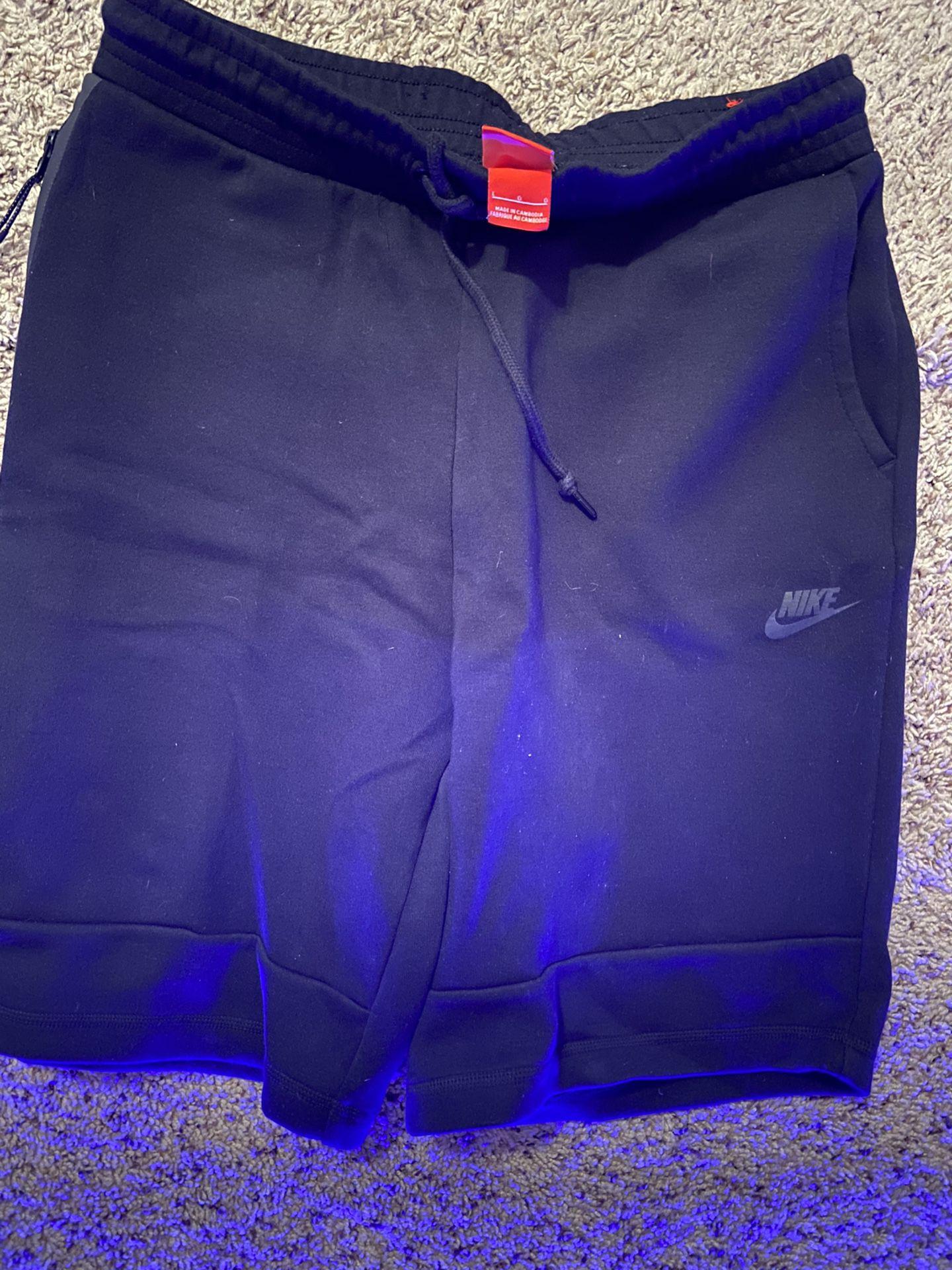 Size L brand new nike shorts