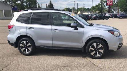 2017 Subaru Forester Thumbnail