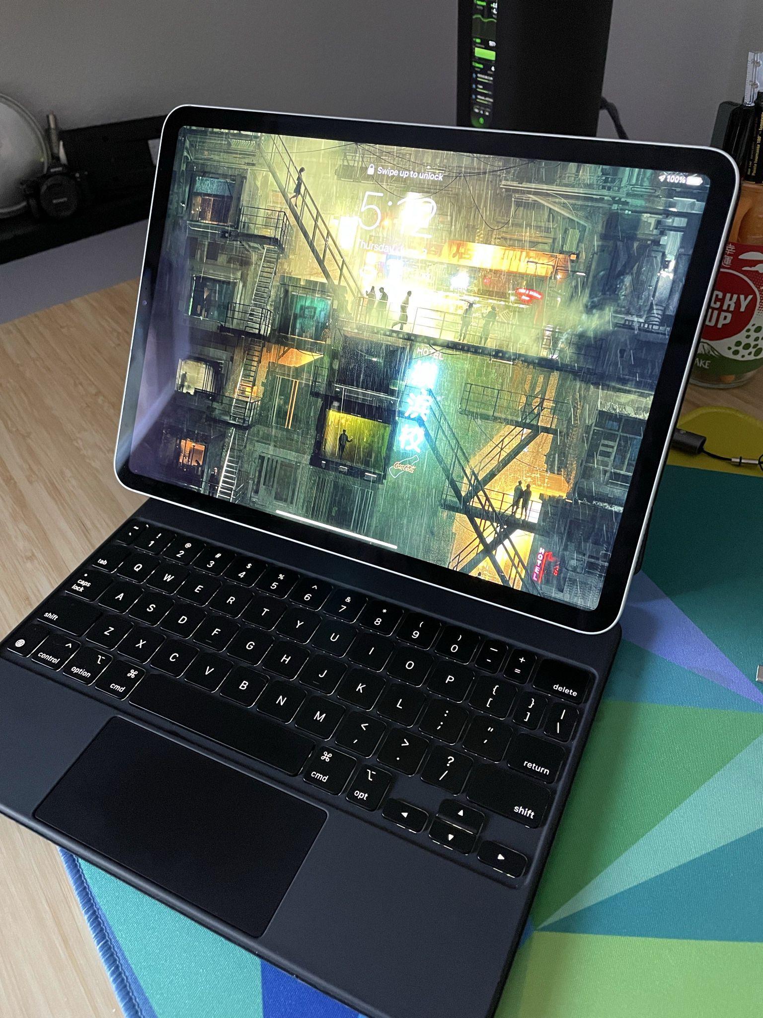 """2020 iPad Pro 11"""" / Silver / 256GB / Cellular + WiFi / AppleCare+ / Magic Keyboard"""