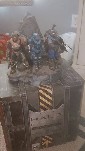 Halo Reach Legendary Edition Box and collectibles (no game) for Sale in Holly Springs, NC