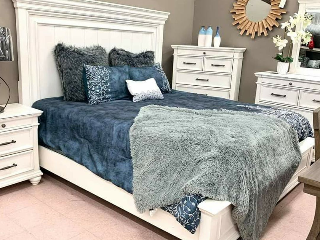Kanwyn Whitewash Panel Bedroom Set ✔ Queen And King Bed Frame