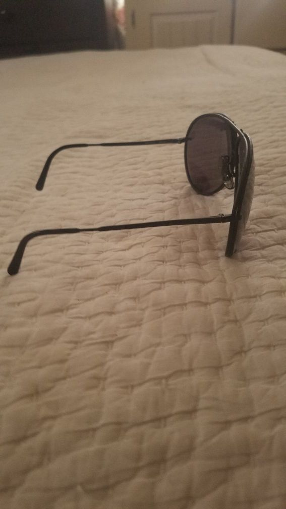 0dd857a2be8 Aviator carrera sun glasses com with extras glass shades.. for Sale ...