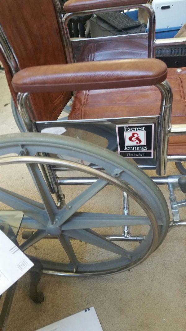 Everest & Jennings Traveler Wheelchair for Sale in McDonough, GA - OfferUp