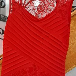 Red Gown, Size M Thumbnail