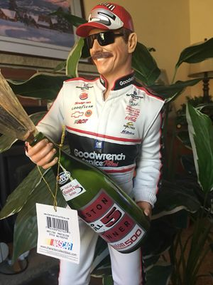 """NASCAR Dale collectible statue 19"""" for Sale in Lake Stevens, WA"""