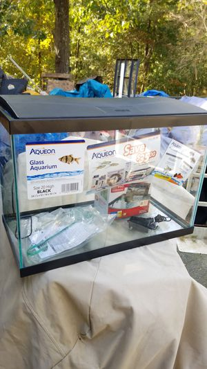 New 20 gallon high glass aquarium kit for Sale in Monrovia, MD
