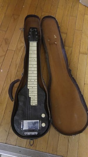 EARLY 50'S MAGNATONE LAPSTEEL GUITAR WITH ORIGINAL CASE for Sale in Richmond, VA
