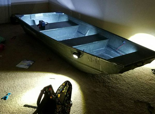 10 foot Jon Boat with 8 hp motor for Sale in Corpus Christi, TX