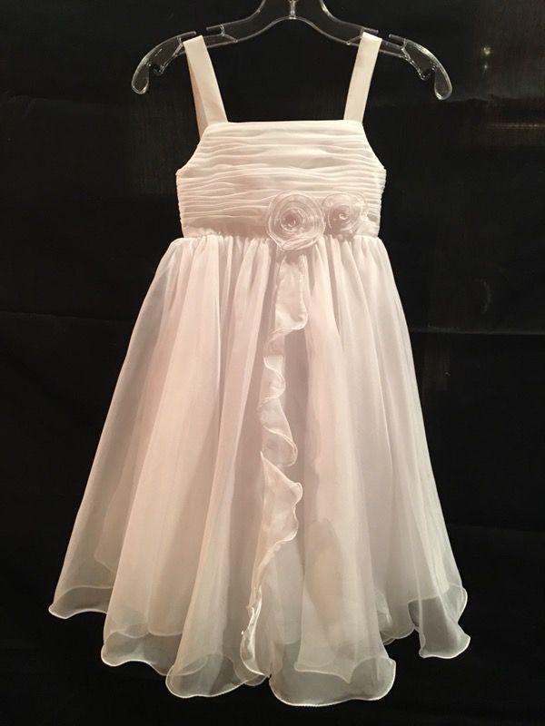 409f9b82d47 NWT white flower girl dress size 8 for Sale in Edina