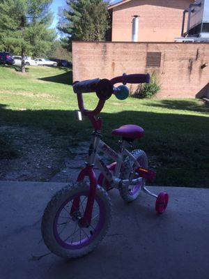 Little girl bike 3yrs and lower for Sale in College Park, MD