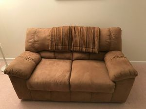 Two Seater Love Couch for Sale in Upper Marlboro, MD