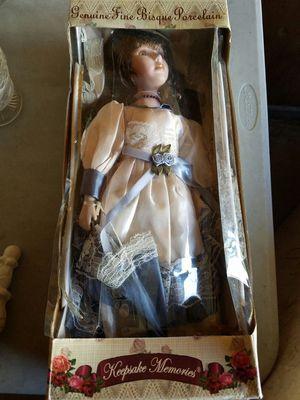 Keepsake memories porcelain doll for Sale in Cleveland, OH