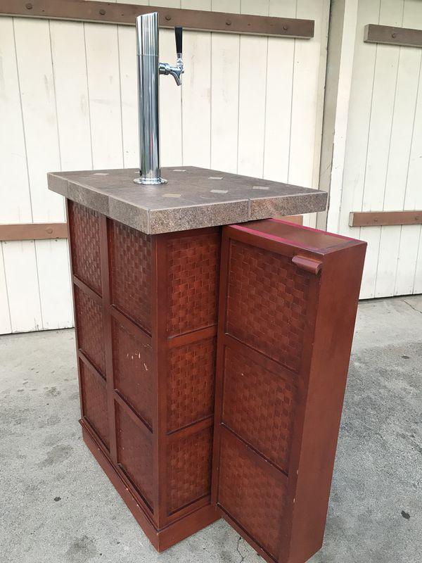 BAR CABINET FOR BEER KEG for Sale in San Jose, CA - OfferUp