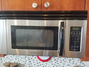 Frigidaire stainless steel under cabinet microwave for Sale in Philadelphia, PA
