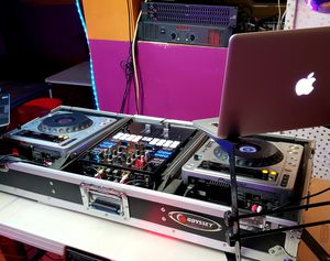 New pioneer s9 controller and CDJ 800mk for sale for Sale in Lanham, MD