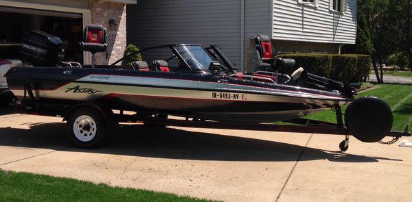 1992 astro 18 ft/ fish/ski boat