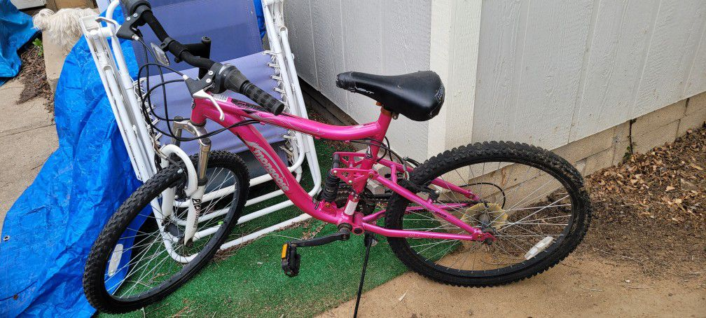 Bicycle For Sale  Moving, Can't Take It With