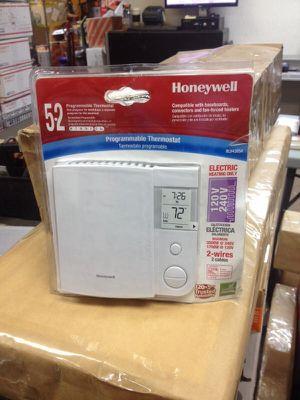 Honeywell programmable thermostat for Sale in Phoenix, AZ