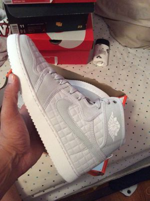 4a568c7ee749 Nike Air Jordan retro 1 s size 9 and size 10 for Sale in Meriden