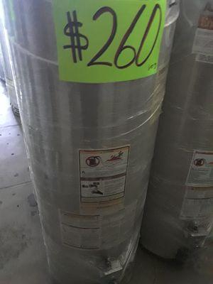 Water heater 40 galones 1 años de garantía for Sale in Los Angeles, CA