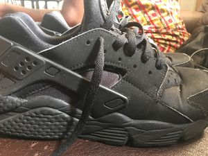 Nike huaraches size 9 for Sale in Hyattsville, MD