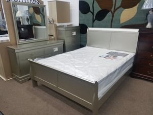 Champagne color queen-size complete bedroom set for Sale in Chillum, MD