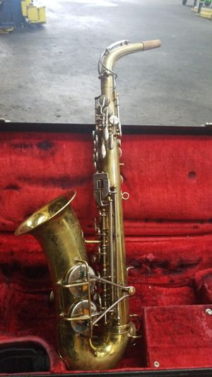 Alto saxophone for Sale in Red Oak, TX